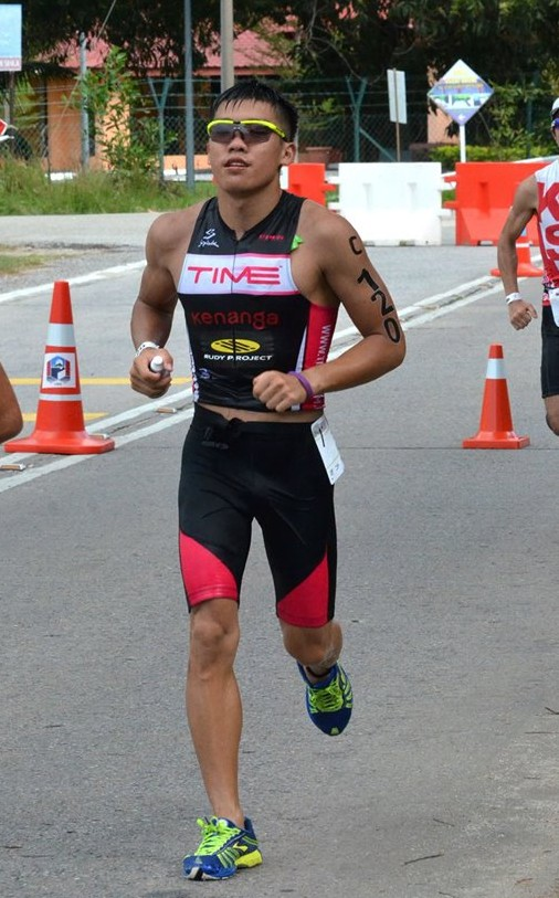Barry Lee running his to qualifying for Ironman World Championships in Kona. , Hawaii. Photo from Facebok/Rudy Project MY