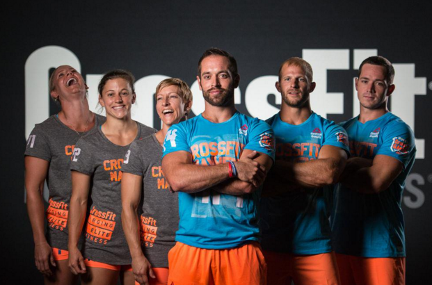 Rich Froning (center). Image from Twitter