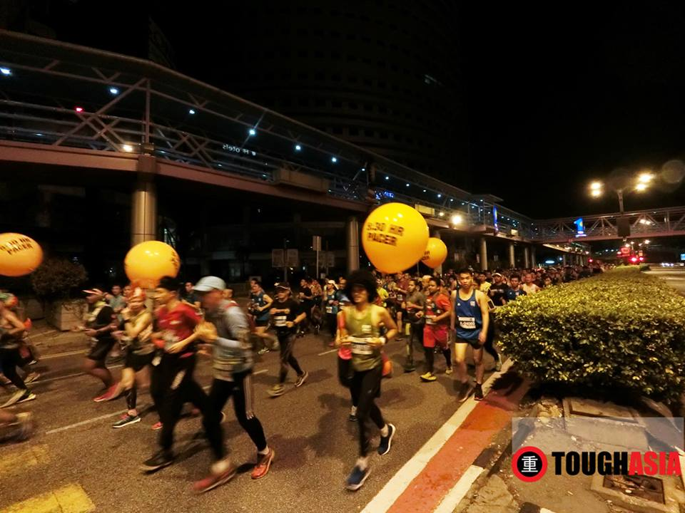 Good shots in low light in the early morning as the runners passed by too using Casio Exilim FR100.